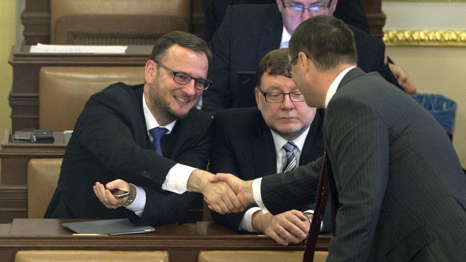 Petr Nečas, Zbyněk Stanjura a Boris Šťastný z ODS na schůzi sněmovny k jejímu rozpuštění.