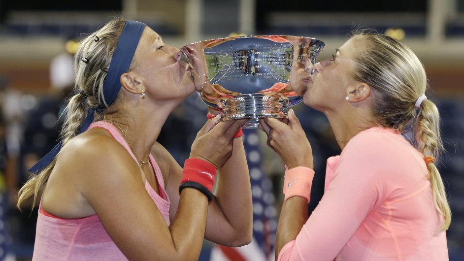 Lucie Hradecká a Andrea Hlaváčková slaví titul na US Open