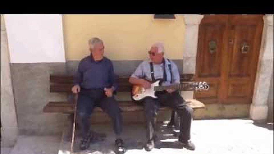 Vtipné video vzniklo v obci Castrovalva v regionu Abruzzo.