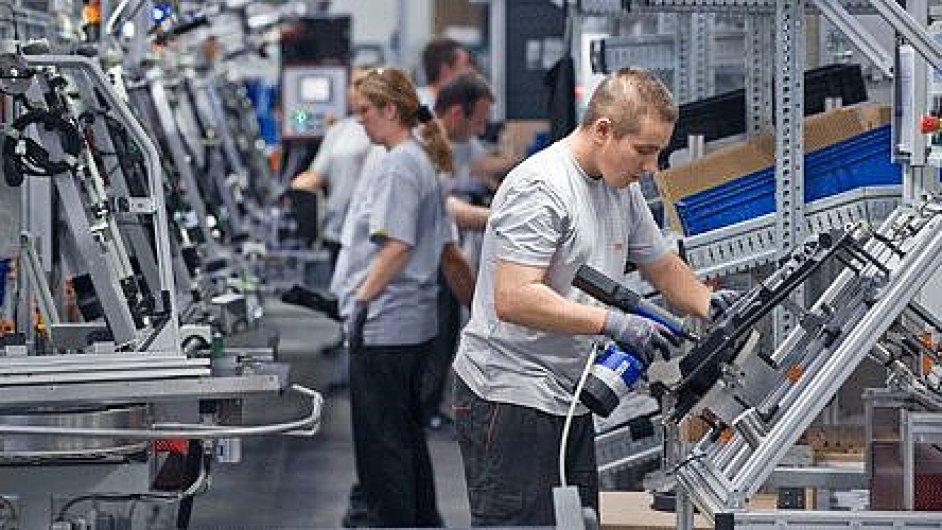 Nejvíce investic v Česku šlo loni do automobilového průmyslu. Na obrázku montovna společnosti Brose.