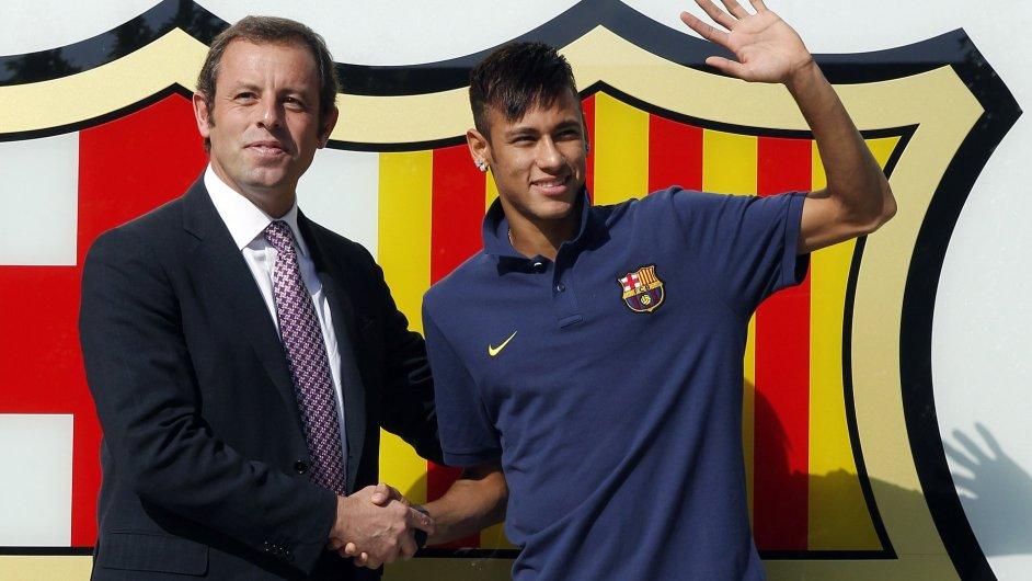 Problematická dvojice v Barceloně: prezident Sandro Rosell a fotbalista Neymar