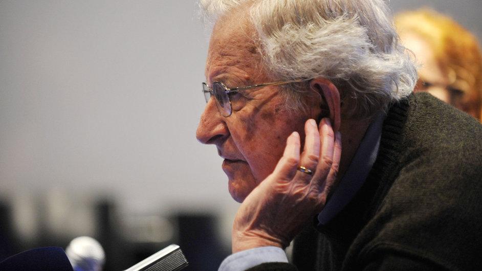 Americký filozof, lingvista a logik Noam Chomsky vystoupil 5. června na tiskové konferenci v Olomouci.