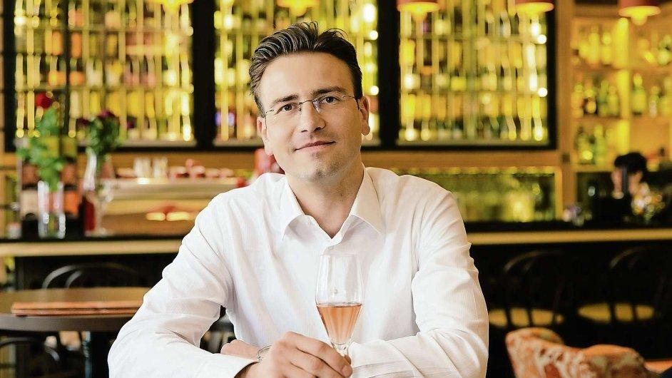 Ředitel Channel Crossings a prezident Asociace jazykových škol a agentur Vítězslav Bican.