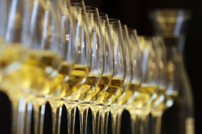 Průzkum: Stáčená vína nakupují v Česku zhruba dvě třetiny lidí