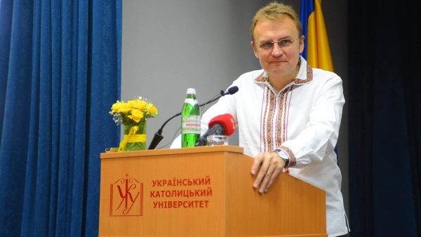 Jeden z kandidátů na premiéra Andrij Sadovyj.