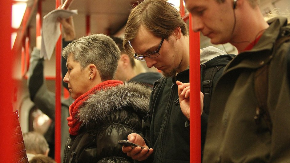 Cestující v novém úseku metra A budou moci telefonovat i být on-line.