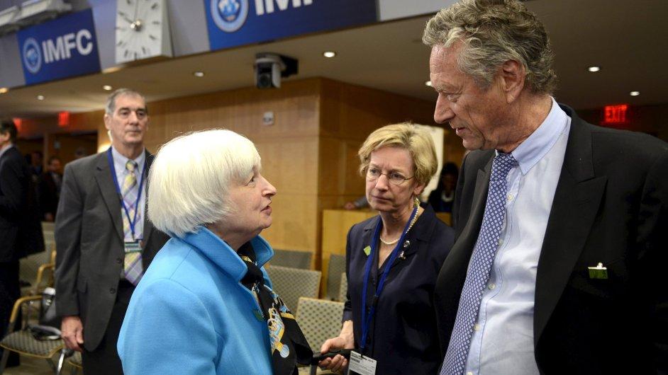 Olivier Blanchard odchází z pozice hlavního ekonoma MMF. Na snímku je s šéfkou amerického Fedu Janet Yellenovou.