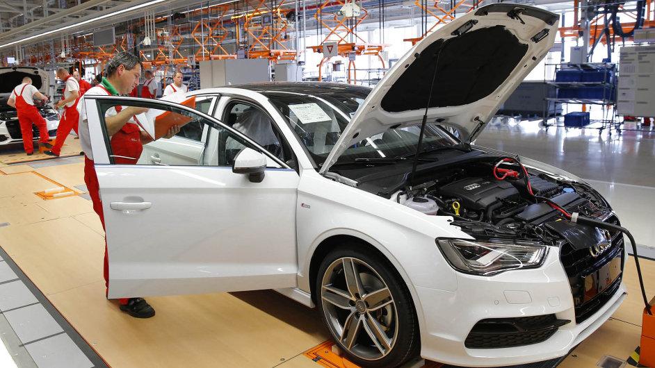 Podvod z Maďarska: Továrna Audi v maďarském Györu vyrobila dva miliony dieselových motorů s podvodným softwarem.