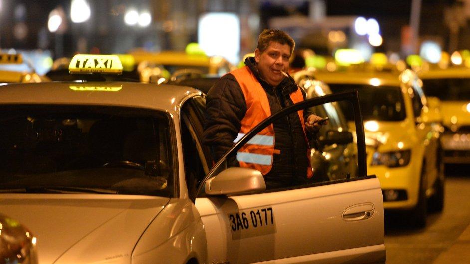 Taxi, protest, magistrála