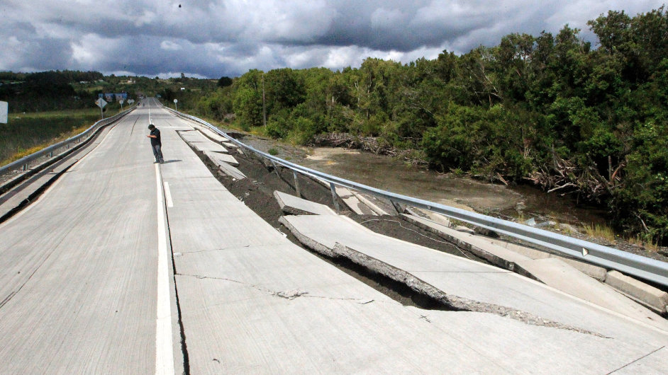 Otřesy v Chile poničily silnice a několik domů na ostrově Chiloé, který byl nejblíž epicentru.
