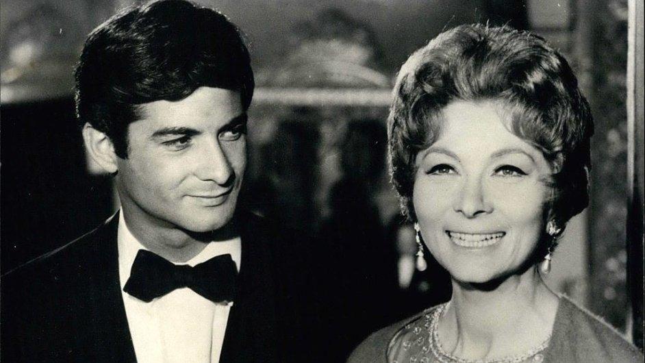 Francouzští herci Jean-Claude Brialy a Claude Gensacová na archivním snímku.