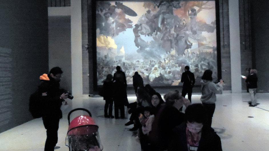 Největší pozornosti se Muchovo dílo těšilo při zahájení výstavy a v roce 2013.
