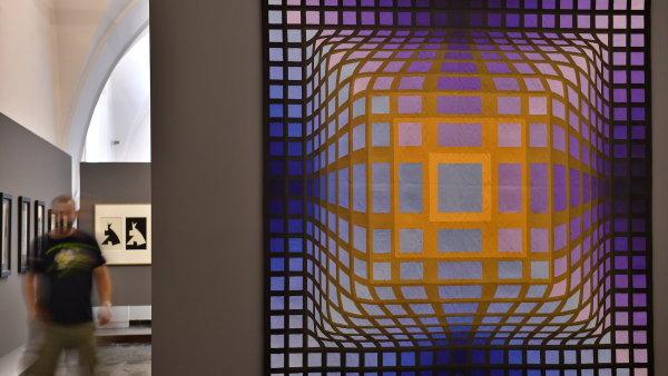 Snímek z výstavy děl Victora Vasarelyho.