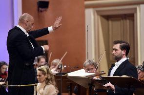 Čtvrteční zahajovací koncert Dvořákovy Prahy řídil šéfdirigent PKF Emmanuel Villaume.