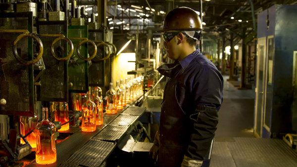 Owens Illinois, největší výrobce lahví otevírá v tuzemsku novou sklárnu.