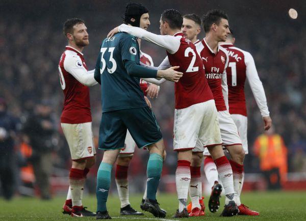 Arsenal ovládl derby s Tottenhamem, Kane na Čecha nevyzrál