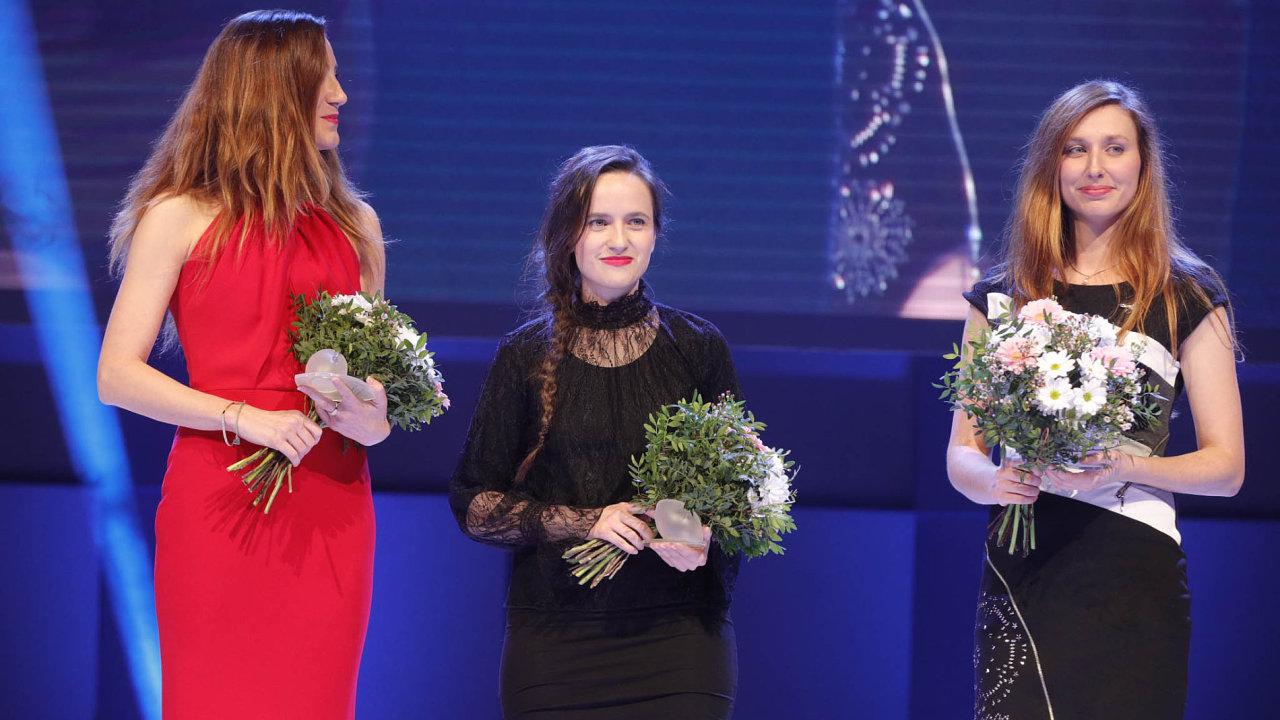TOP ženy startupové scény: na snímku zleva spoluzakladatelka MyStay Pavlína Zychová, kreativní ředitelka SlidesLive Tereza Horáková, a šéfka oddělení start-upů v agentuře CzechInvest Markéta Havlová.