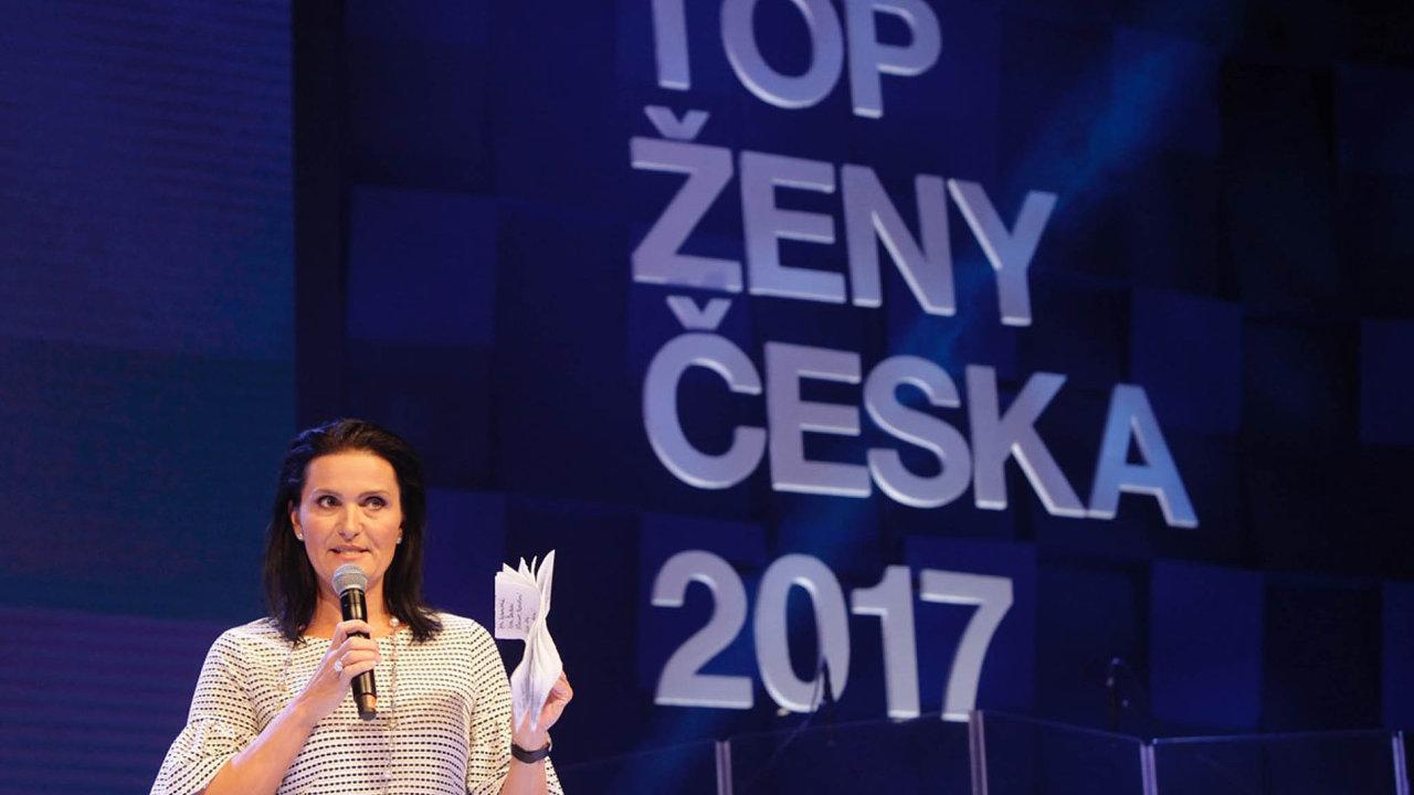 Slavnostní večer zahájila patronka ankety TOP ženy Česka amístopředsedkyně mediálního domu Economia Michaela Bakala.