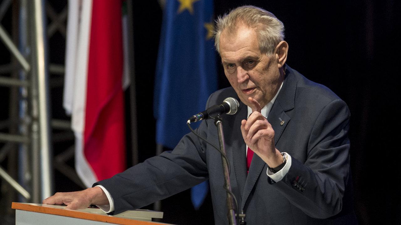 Prezident Miloš Zeman vystoupil na mimořádném sjezdu ČSSD v Hradci Králové.