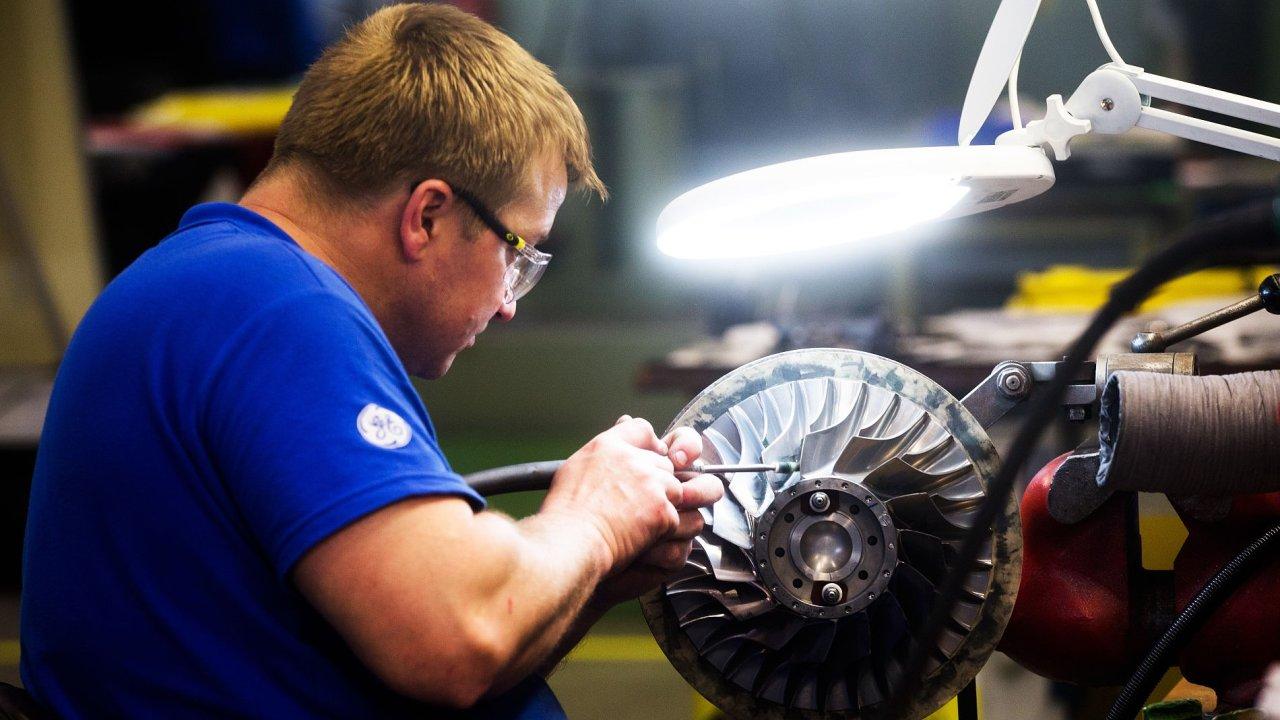 Výroba kompresoru v GE Aviation v Letňanech.