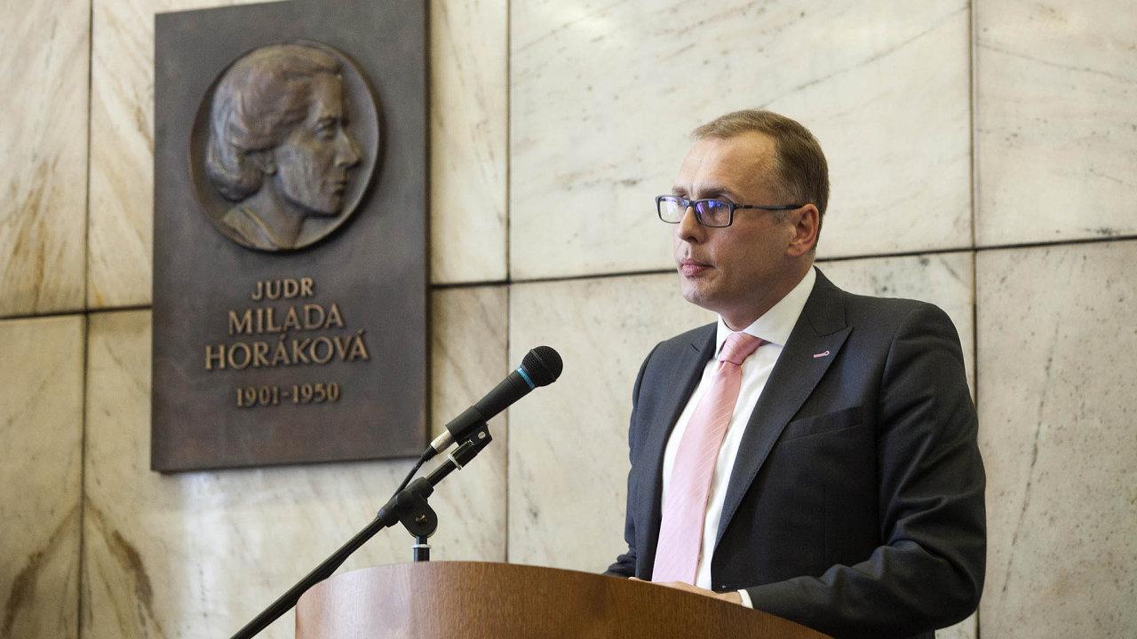 Náměstek výkonného ředitele České bankovní asociace Filip Hanzlík.