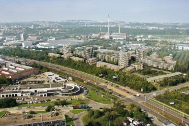 Brownfieldy v Praze mají rozlohu tří set Václavských náměstí. Developeři na nich chtějí postavit tisíce bytů, brzdí je ale územní plán