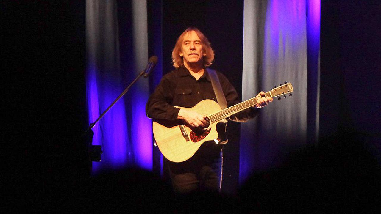 Jaromír Nohavica na středečním koncertě ve Foru Karlín.
