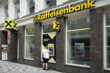 Raiffeisen Bank International v listopadu uvedla, že má v Rumunsku šest procent svých aktiv.