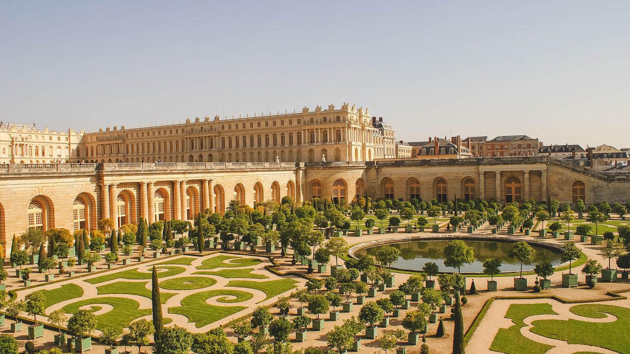 Velké lákadlo. Zámek Versailles představuje pro bohaté lidi vrcholné prostředí pro uspořádání oslavy. Když na to mají.