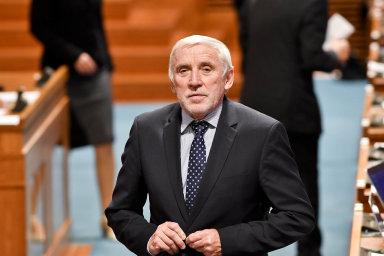 Kuberovy pravomoci dočasně přešly na prvního místopředsedu Senátu Jiřího Růžičku (TOP 09 aSTAN).