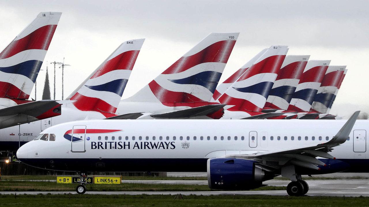 Část své flotily nechávají na zemi i British Airways. Snímek je z londýnského letiště Heathrow.