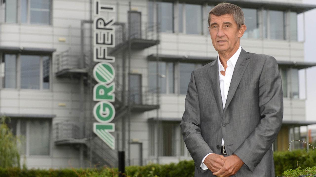 Agrofert vestřetu: Andrej Babiš vstupoval dopolitiky jako majitel Agrofertu (snímek zroku 2013). Vroce 2017 ho kvůli novému zákonu ostřetu zájmů vložil dosvěřenského fondu.
