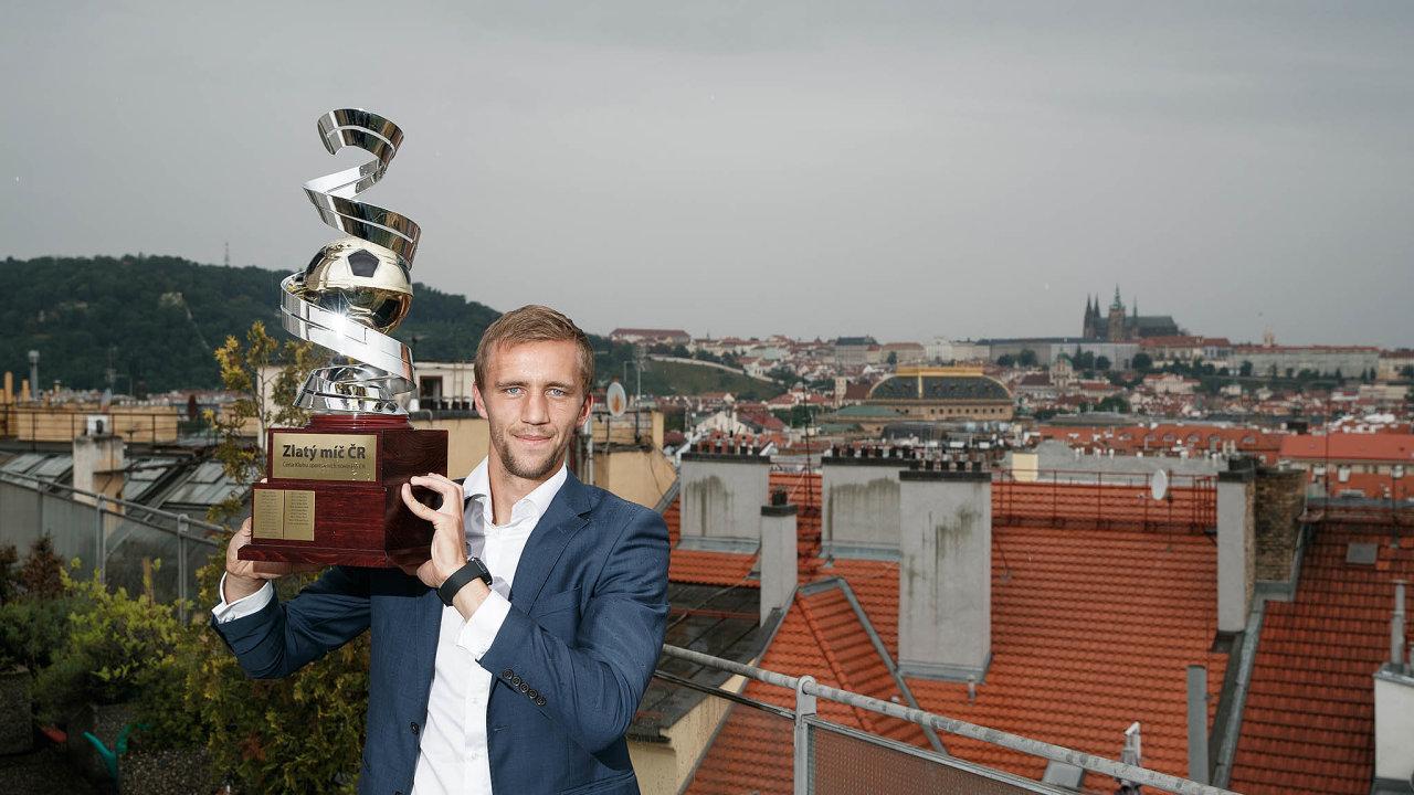 Tomáš Souček poprvé vyhrál Zlatý míč pro nejlepšího českého fotbalistu sezony.