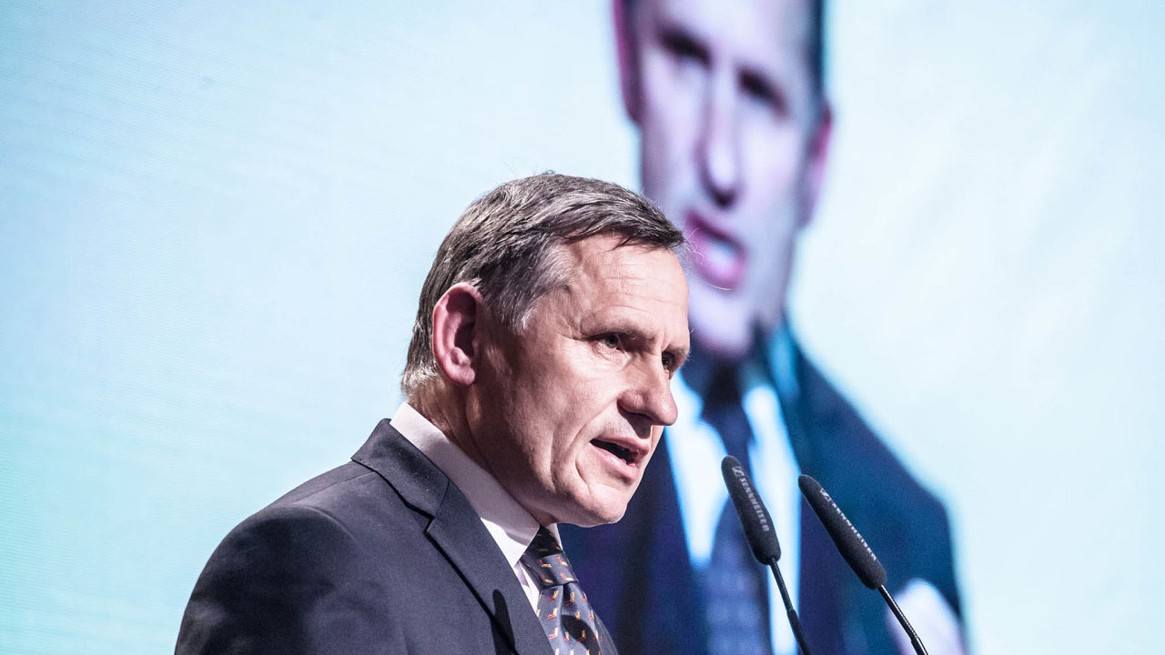 Jiří Čunek: Smlouvu schválilo zastupitelstvo, musel jsem to podepsat.
