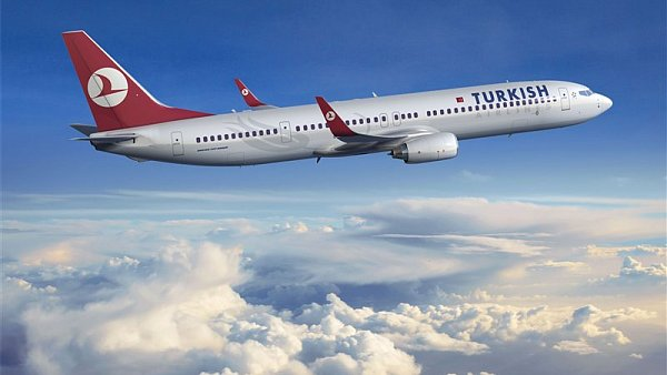 Spole�nost Turkish Airlines na sv�ch internetov�ch str�nk�ch ozn�mila, �e kv�li po�as� zat�m zru�ila 131 let�.