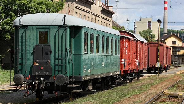 Historick� vlak Lustig