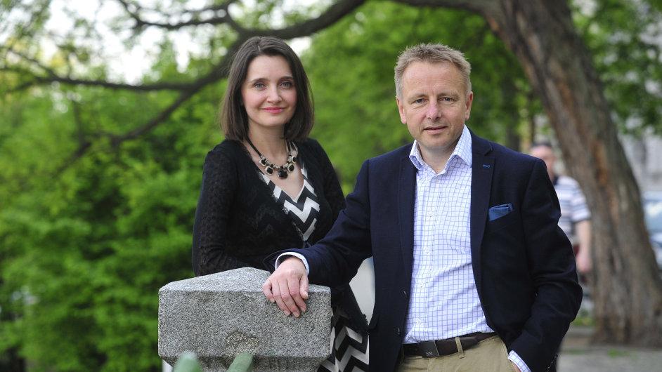 Helena Lazosová a Jonathan Smith