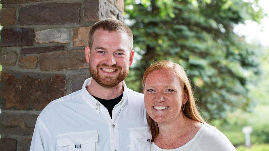 Vyléčený lékař Kent Brantly se svou ženou Amber