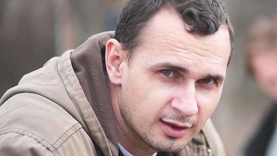 Oleg Sencov zůstane ve vazbě až do ledna.