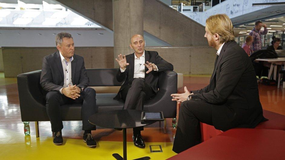 Diskuse o energetice (zleva): Libor Holub z Bohemia Energy, Ludvík Baleka z MND a moderátor Karel Tinl.