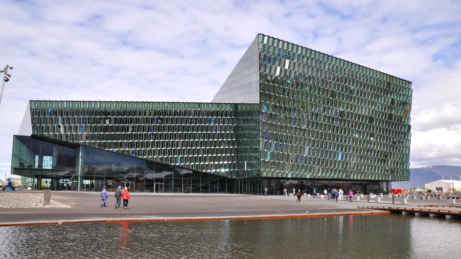 Stavba Harpa v Reykjavíku se stala laureátem Ceny Miese van der Rohe v roce 2013.