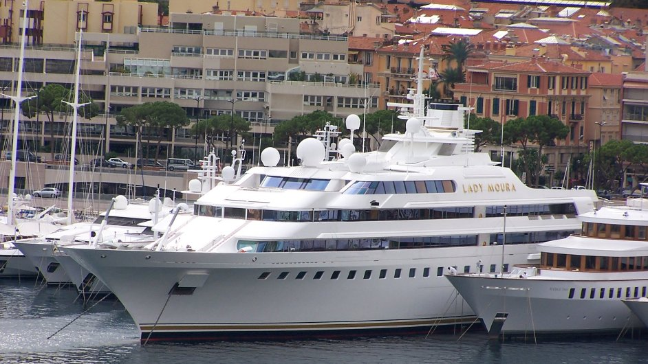 Yacht Lady Moura in Monaco
