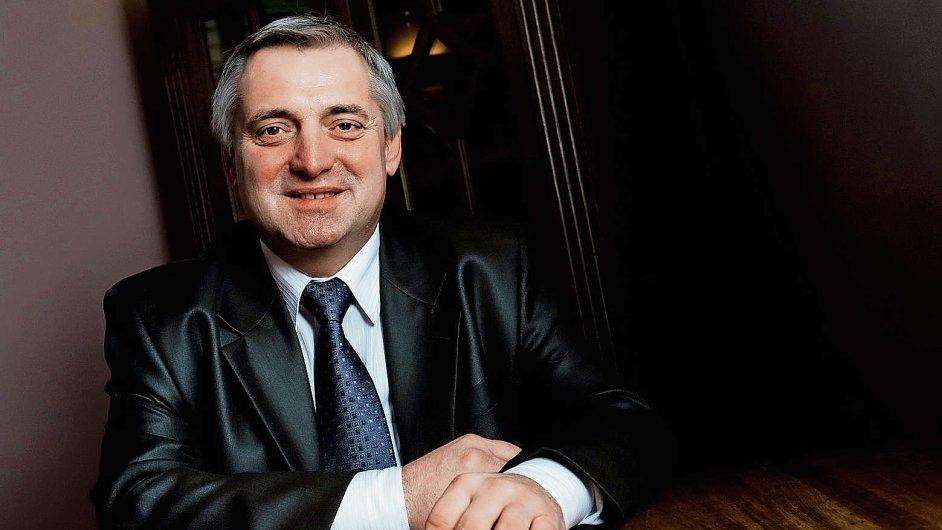 Premiér Sobotka chce Petru Rafajovi prodloužit vedení antimonopolního úřadu - Ilustrační foto.