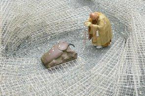 V Japonsku vznikla socha na počest hmyzu ubitého člověkem