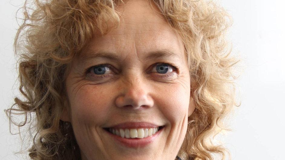 V roce 2012 začala pracovat pro norský server Yr Ingrid Stover Jensenová.