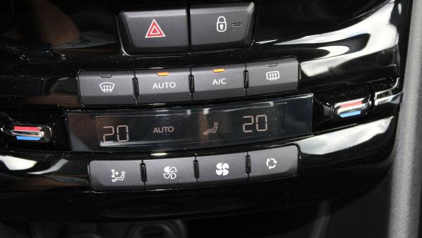 Automatická klimatizace u Peugeotu 208