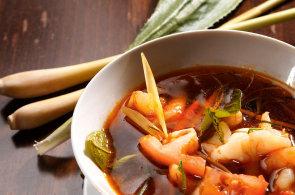 Polévka, která vás rozpálí: Tom Yam Kung je evergreen thajské kuchyně