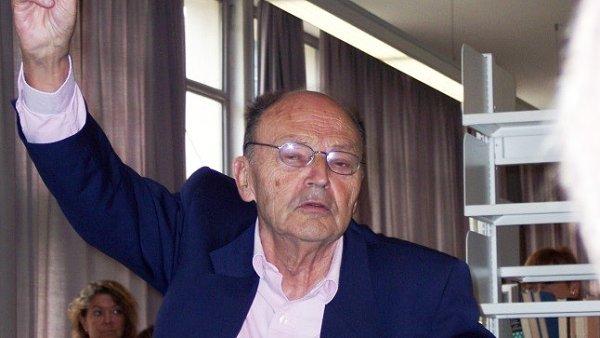 Knihy Michela Tourniera v Česku ve větší míře vycházely až po revoluci.