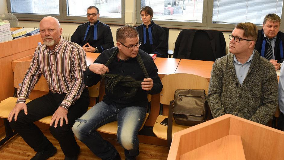 Pavel Kouda a Petr Kušnierz u soudu.