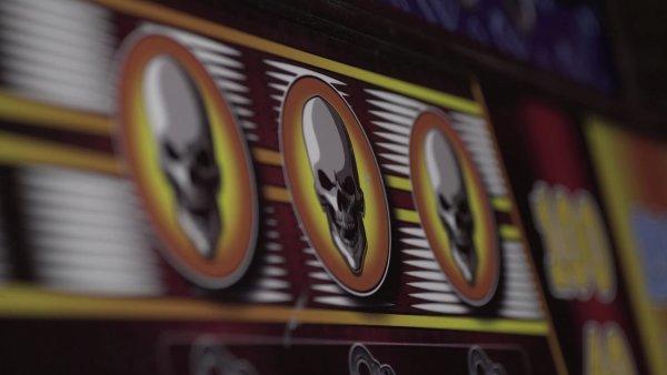 Falešný automat zve gamblery do Drop Inu